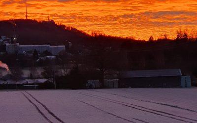 Der Himmel über dem Uetliberg in Weihnachtsstimmung